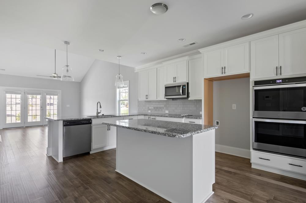 2,695sf New Home Gourmet Kitchen Option