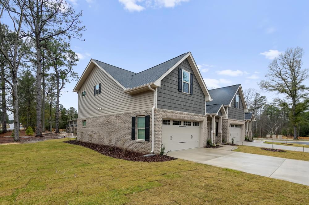 Royal Oak Townhome New Home in Pinehurst, NC Caviness & Cates Communities